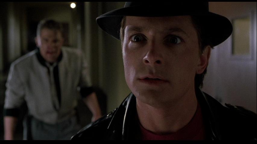 Eres un gallina McFly!