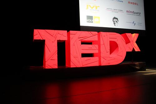 El Logo de TEDx